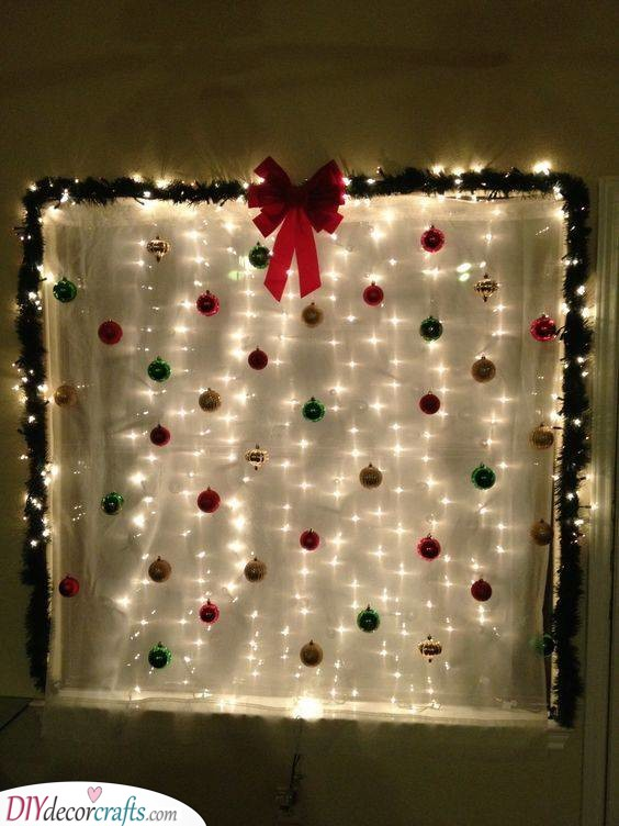 Decorating Your Window – Christmas Party Decoration Ideas