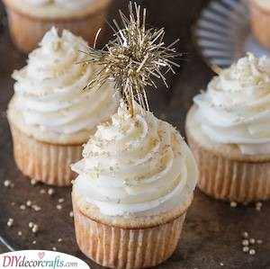 Beautiful Champagne Cupcakes - New Years Eve Party Food