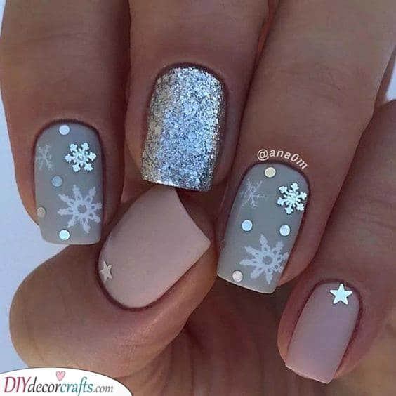 Glitter and Snowflakes - Cute Winter Nails