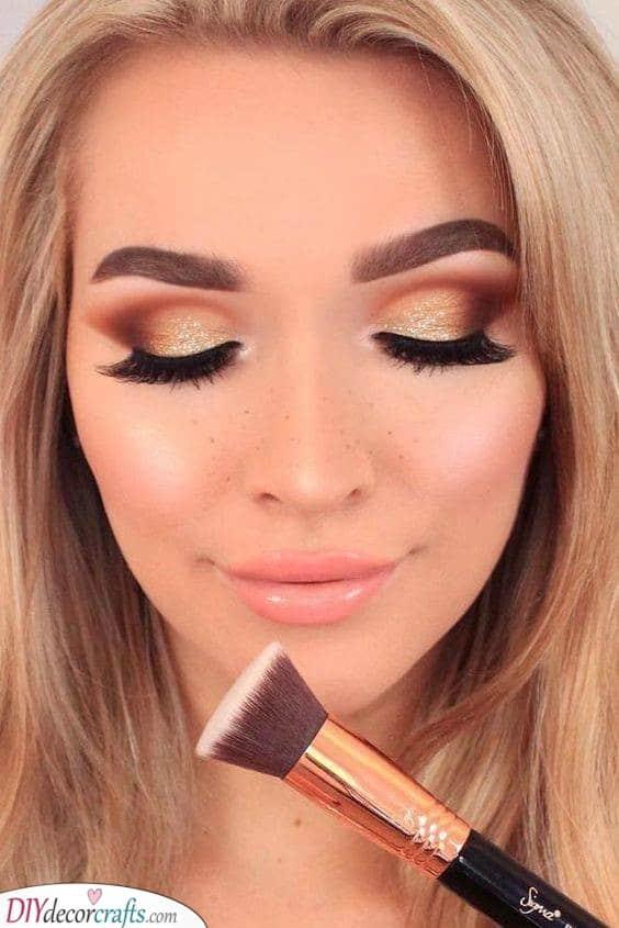 Warm Shades - Beautiful Christmas Makeup Ideas