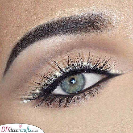 Stunning in Silver - Christmas Makeup Ideas