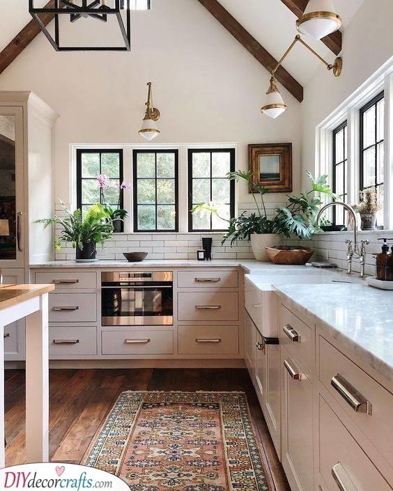 Stylish in White - Kitchen Cabinet Design Ideas