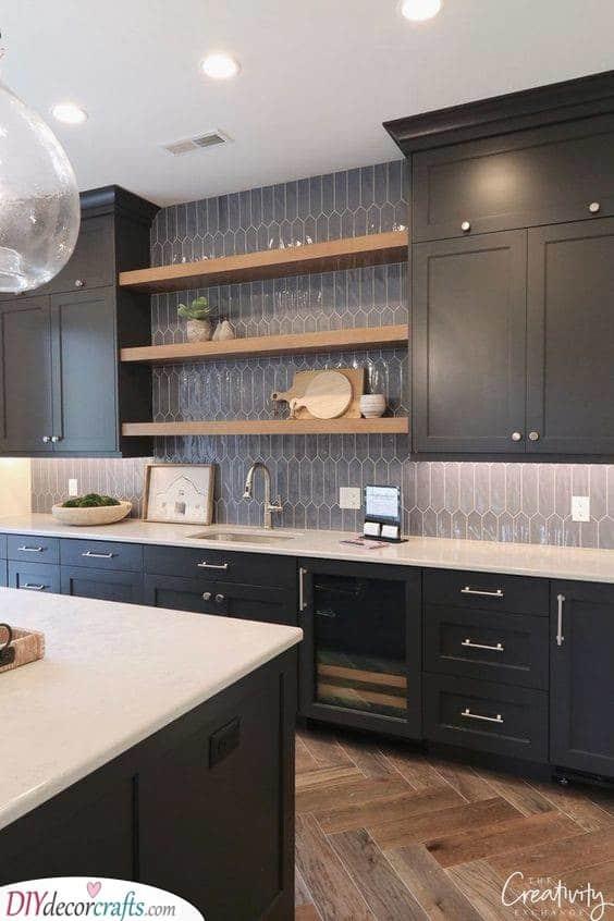 Wood and Black – A Unique Combination
