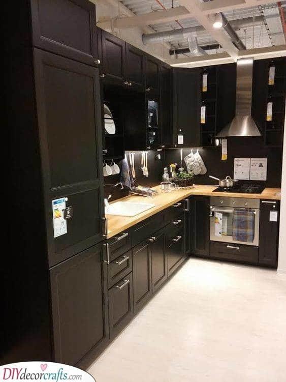 Brilliant in Black - Kitchen Cabinet Storage Ideas