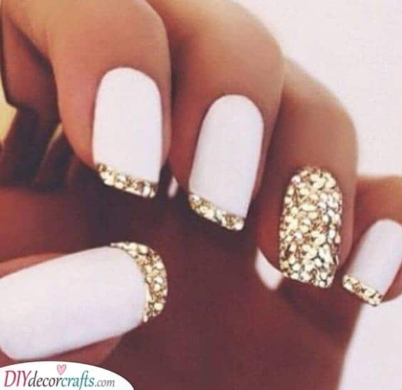 Looking Your Best - New Years Nail Ideas