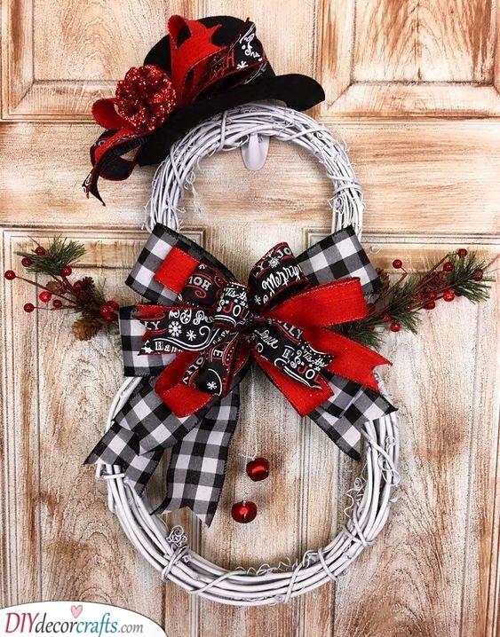 A Snowman Wreath - Festive and Fun