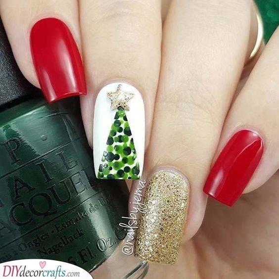 A Stunning Christmas Setting - Christmas Nail Designs