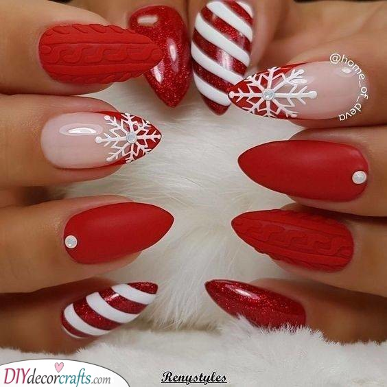 Candy Cane Stripes - Festive Christmas Nail Designs