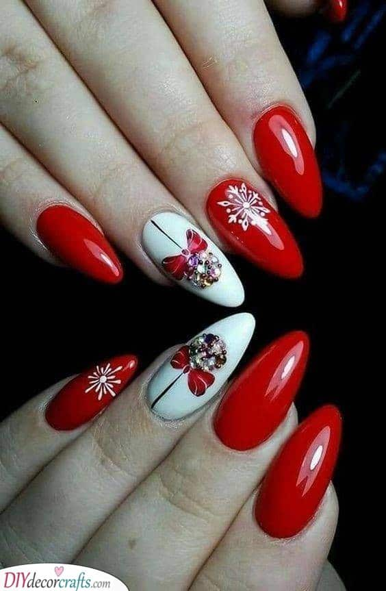 Another Ornament Idea - Easy Christmas Nails