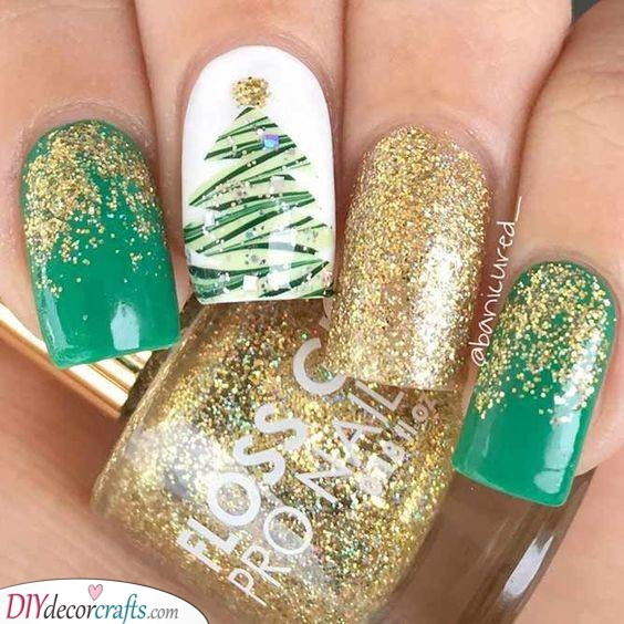 Gold and Green - A Gorgeous Christmas Tree