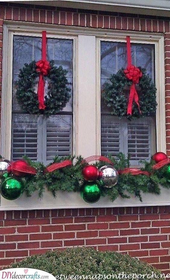 Decorative and Dazzling - Christmas Window Decoration Ideas