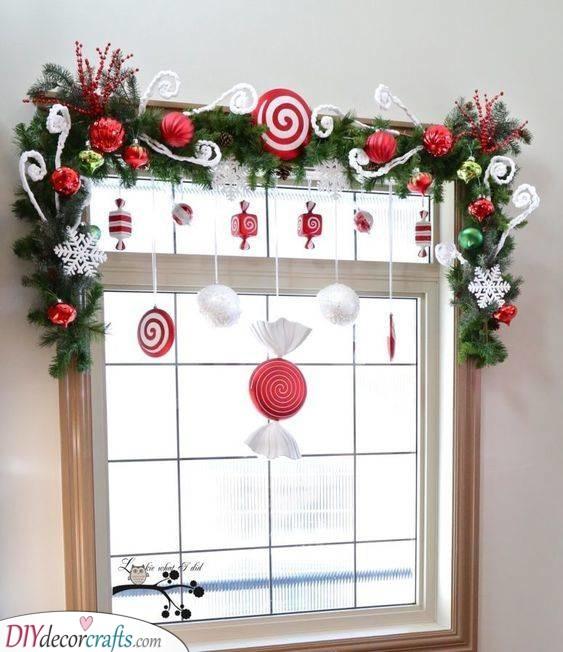 Treats and Sweets - Christmas Window Decoration Ideas
