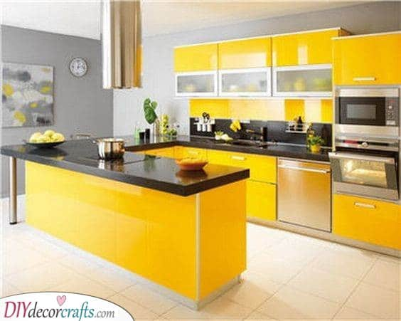 Happy and Bubbly - Try Out a Bright Yellow