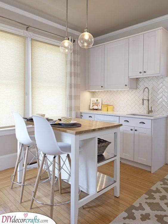 Wonderful in White – Small Kitchen Island Ideas with Seating