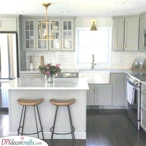 White and Bright - Small Kitchen Island With Seating Ideas