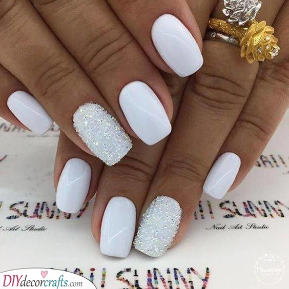 A Look of Powder Snow - Elegant and Refined
