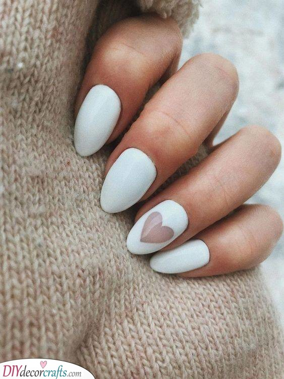 A Lovely Heart - Cute White Nails
