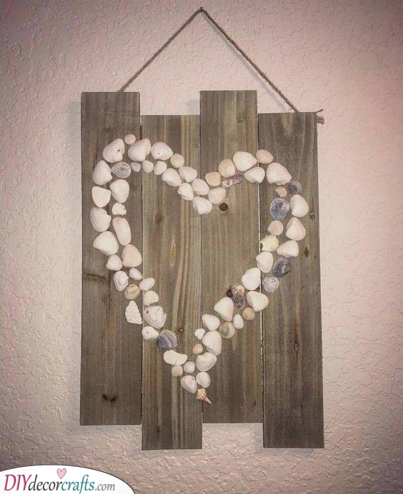 Shells and Stones - Homemade Wall Decoration Ideas