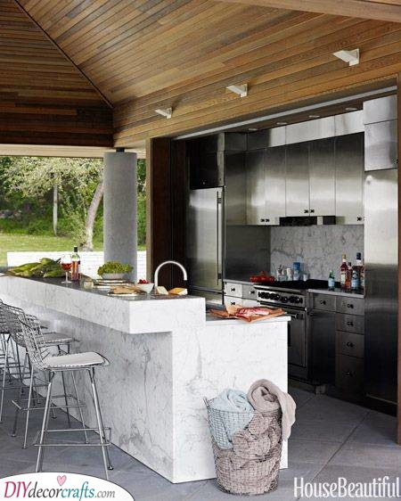 Gorgeous in Marble - Outdoor Kitchen Cabinet Materials