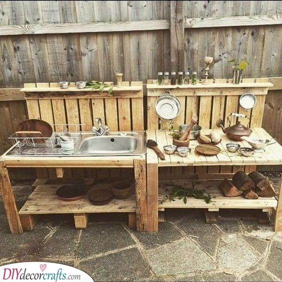 Creative with Pallets - Transform Old Pallets into Cabinets