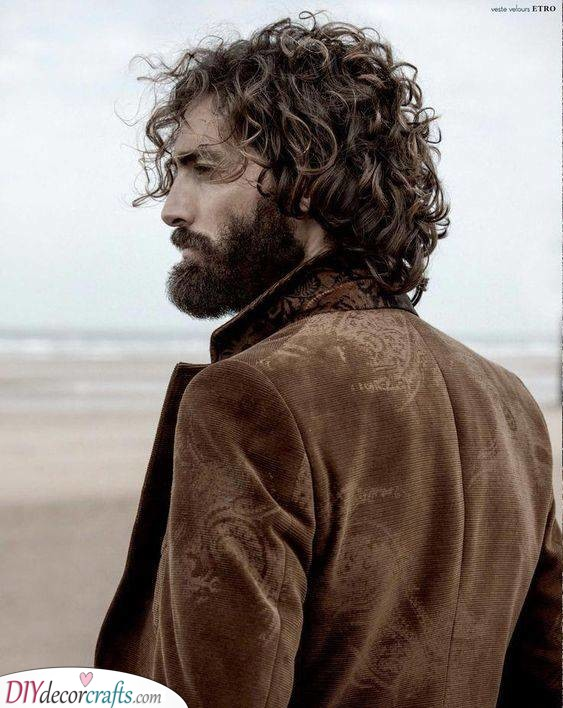 The Woodcutter Look - Hairstyles for Curly Hair Men