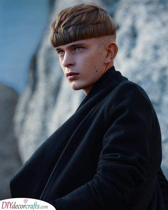 A Layered Crop - Best Short Haircuts for Men