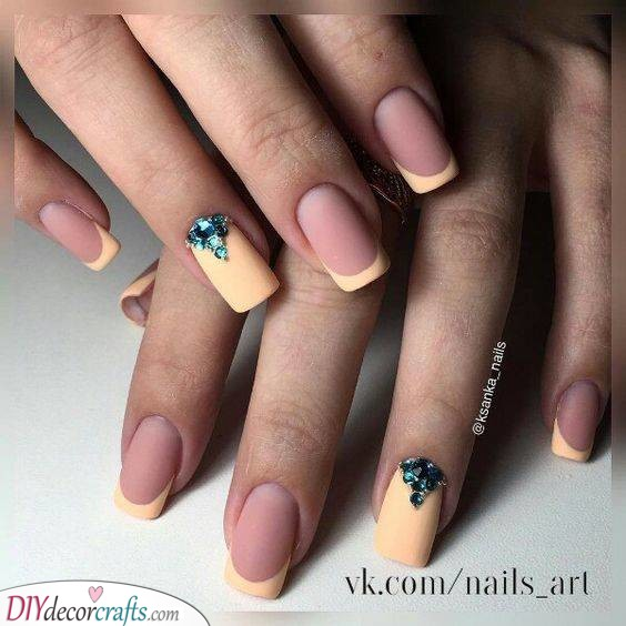 French Manicure Ideas - Simple and Refined Nails
