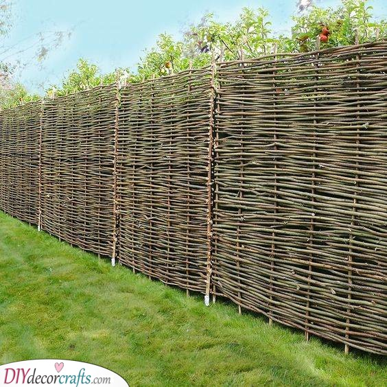 Cheap and Handmade - Make Your Own Wattle Fencing