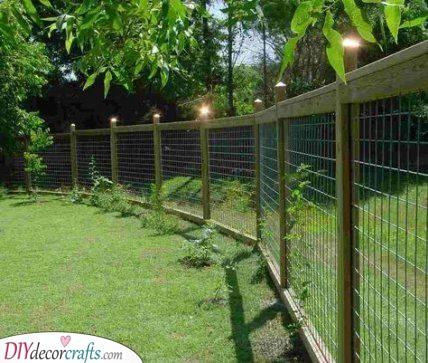 Don't Let the Pets Escape - Cheap Fence Ideas for Backyard