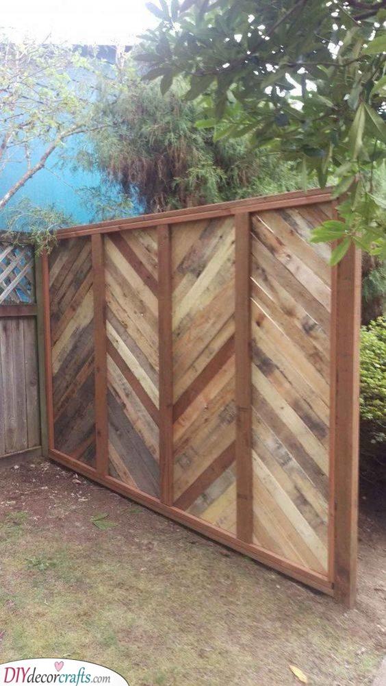 A Pallet Project - Garden Fence Ideas