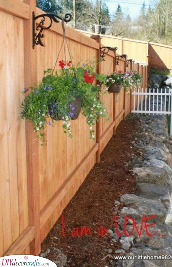 Decorating with Flowers - Cheap Fence Ideas for Backyard