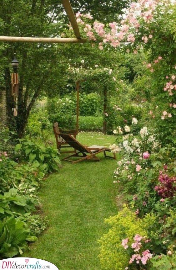 Beautiful and Overgrown - Small Garden Design Ideas
