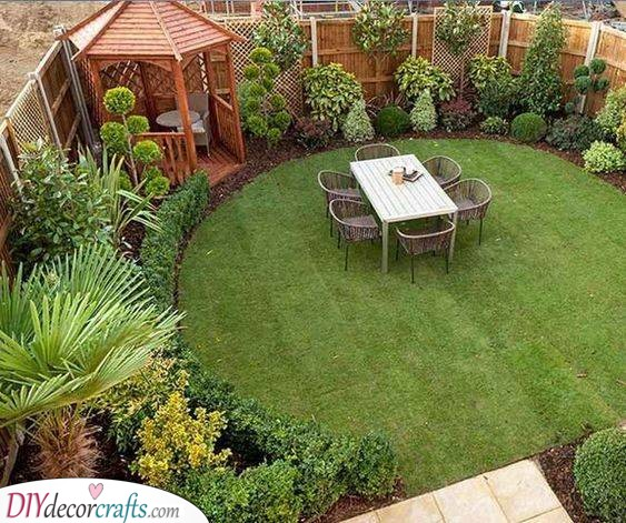 A Gorgeous Garden - Very Small Garden Ideas on a Budget