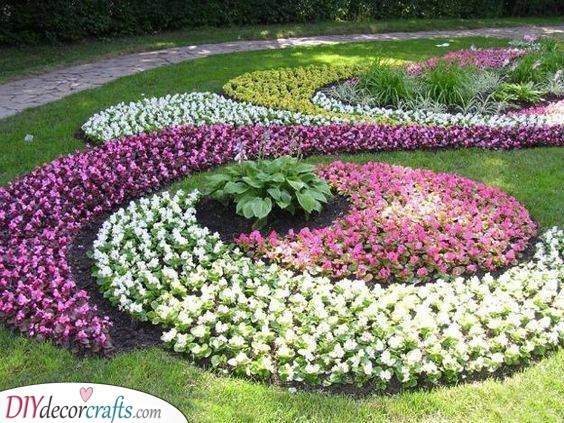 Gorgeous Landscaping Ideas - Flower Bed Designs
