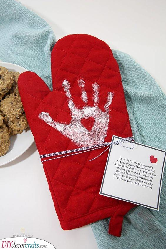 Made with Love - An Adorable Mitten