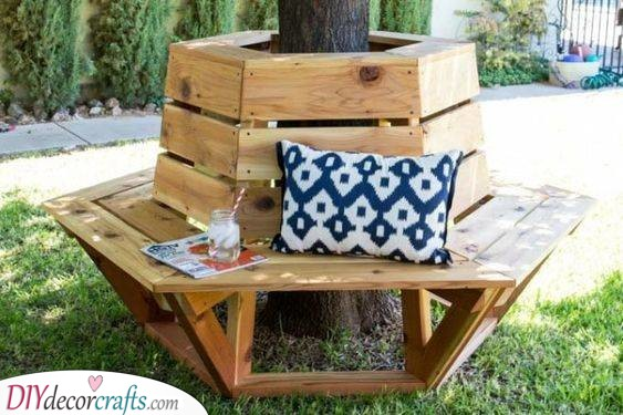 Surrounding a Tree - DIY Outdoor Wooden Storage Bench