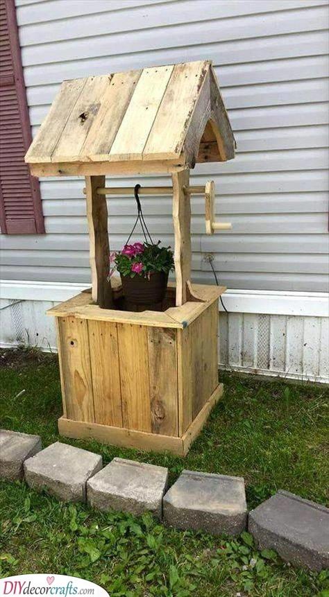 A Wishing Well Planter - DIY Garden Furniture