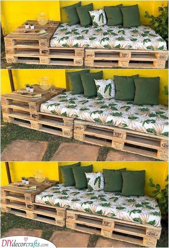 Wooden Pallet Sofa - DIY Garden Benches