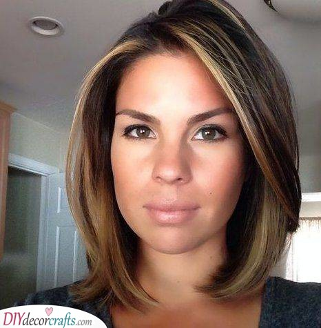 Stunning Highlights - Hair Color Ideas for Brunettes for Summer