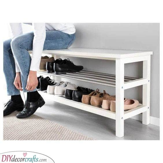 Simple and Clean - An Entryway Bench
