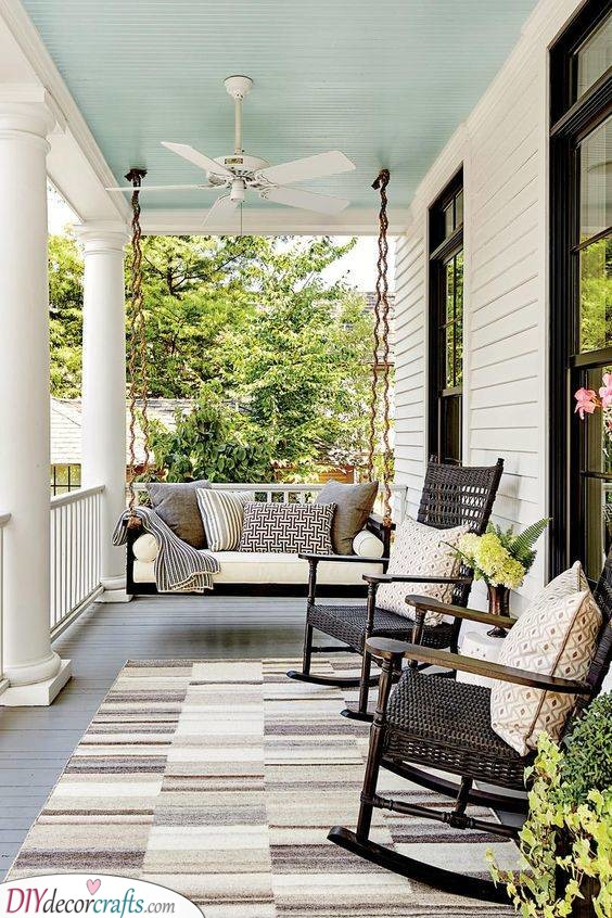 Truly Great - Small Front Porch Decorating Ideas on a Budget