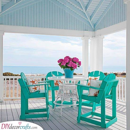 Summery and Stylish - Perfect Porch for the Beachside