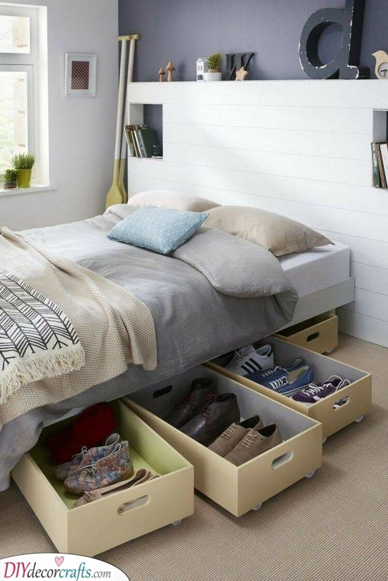 Pull-Out Drawers - Storage Solutions for Small Bedrooms