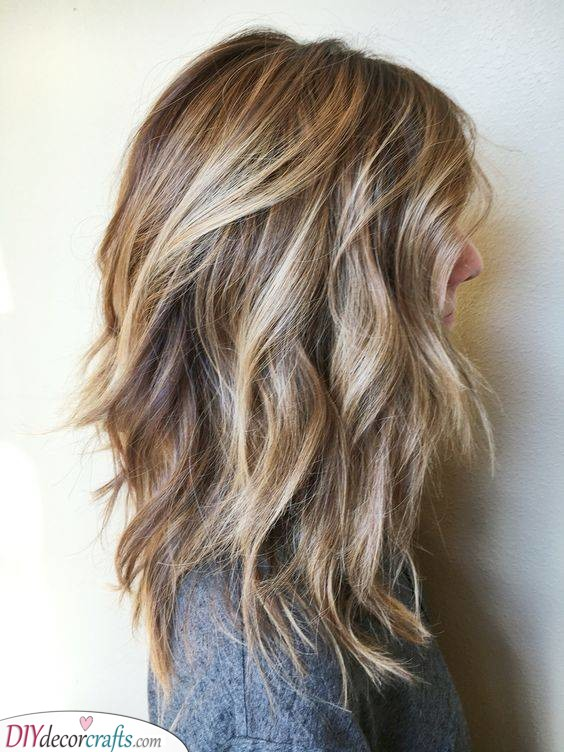 Layering Your Hair - Hairstyles for Medium Hair for Teens