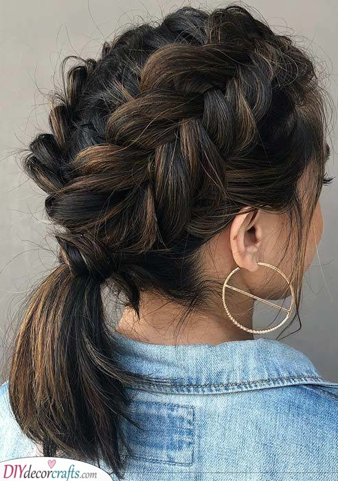 A Braided Ponytail - Shoulder Length Hairstyles for Teens