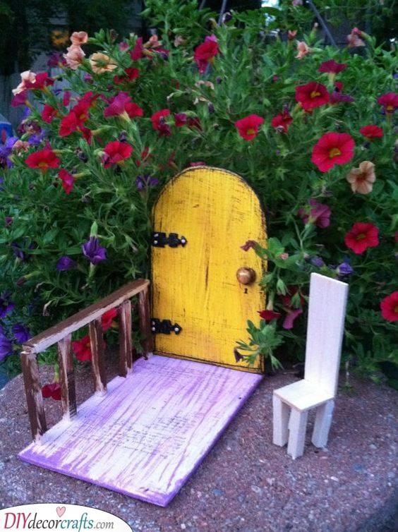 Straight Into the Flowers - DIY Fairy House