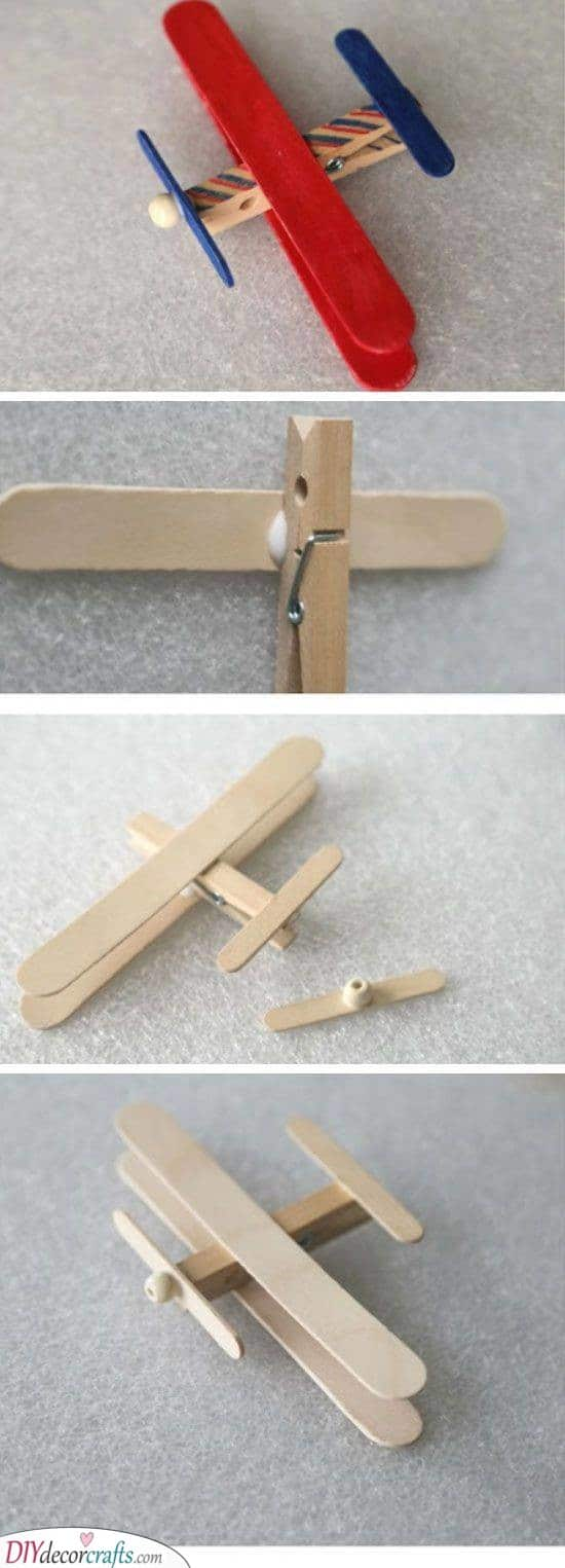 An Awesome Airplane - Fathers Day Crafts for Grandpa