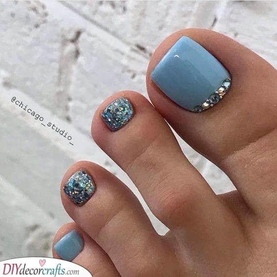 Beautiful in Blue - Summer Pedicure Ideas