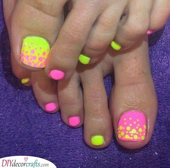 Funky in Neon - Summer Toenail Designs
