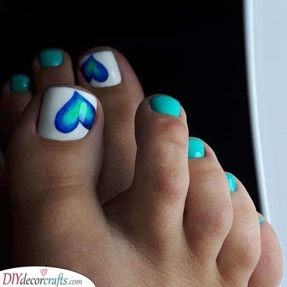 Blue Hearts - Great Summer Toenail Designs